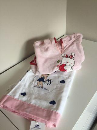 Poncho y toalla piscina bebe