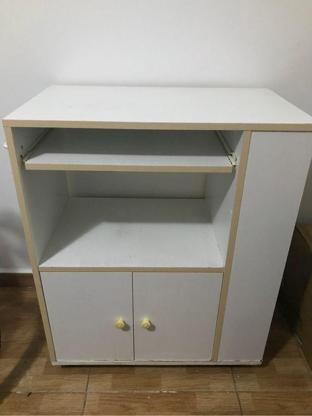 Mueble auxiliar blanco