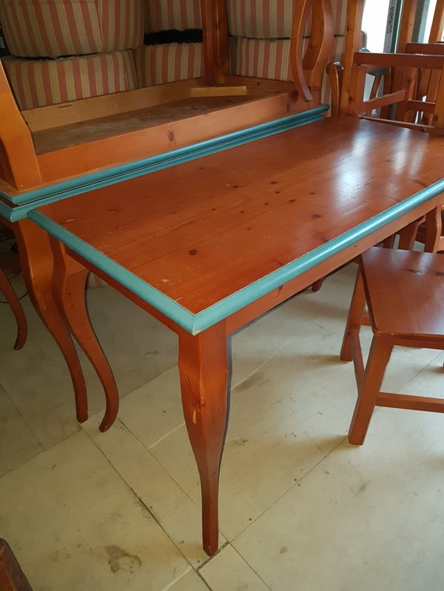 Mesas de madera maciza de pino