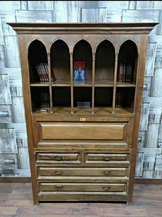 Mueble madera clásico