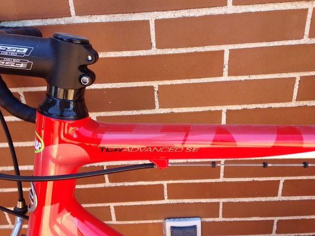 Bicicleta carretera carbono GIANT