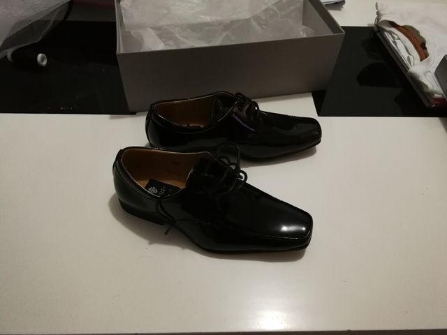 7ff501c2 Zapatos niño elegantes de vestir talla 32 33 de segunda mano por 25 ...