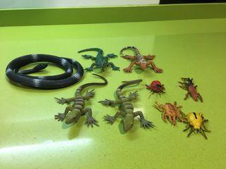 Lote de 9 figuras de plastico reptiles e insectos