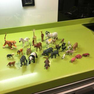 Lote de 30 animales de plastico,figuras de pvc,belén,zoo,playmobil,maquetas,