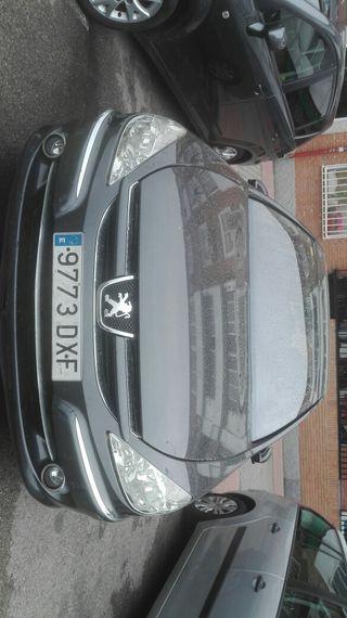 Peugeot 607 2006 2.2i