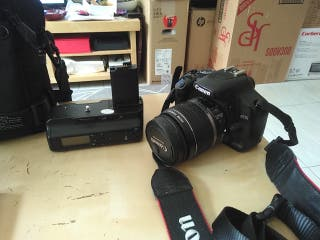 se vende Canon 450D