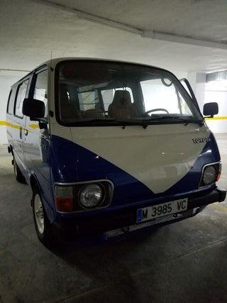 Furgoneta Toyota Hiace ( turismo)