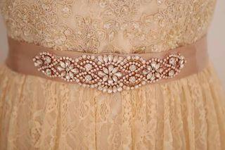 Aplicaciones de pedrería para el vestido de novia