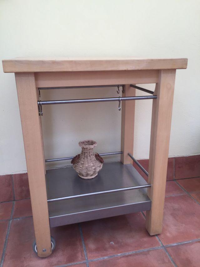 Mesa de trabajo cocina con ruedas de segunda mano por 50 € en ...