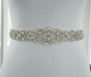 Adorno de pedrería para vestido de novia