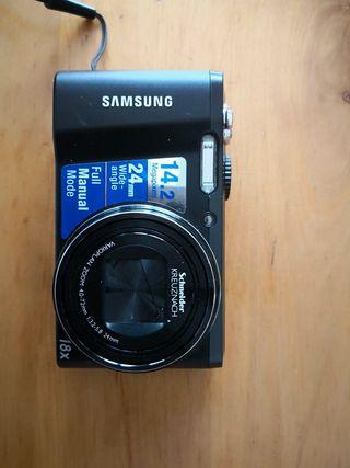 cámara samsung WB 700