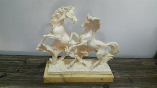 figura de caballos