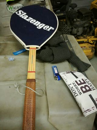 raqueta de tennis antigua