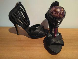 Zapatos tacón Fuirezza 39 NUEVOS