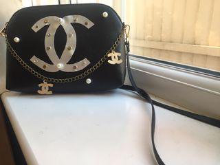 I sell shoulder bag