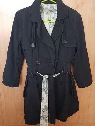 chaqueta tipo gabardina azul marino
