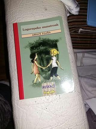 Libro logurepeko munstroak