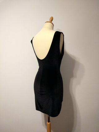 Vestido negro parches zara