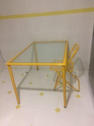 Mesa cristal y sillas vintage