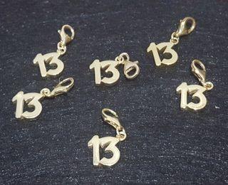 """COLGANTE """"13"""" PLATA LEY DORADA"""