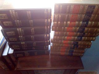 18 tomos de enciclopedia
