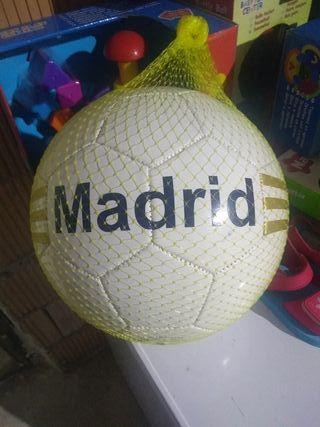 balon de regramento de real Madrid
