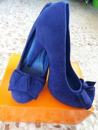 Zapatos nuevos de tienda