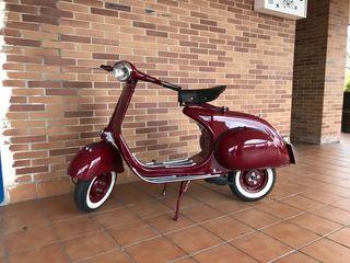 Moto vespa 125 N año 58 ITVal día