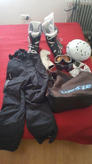Botas de esquiar y accesorios a estrenar