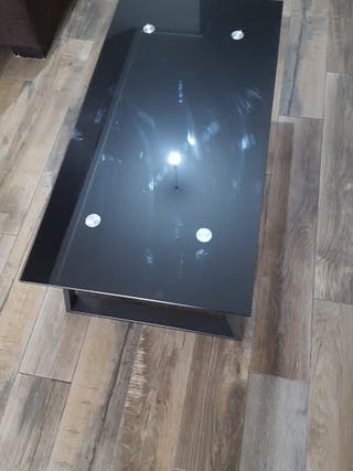 mesa de cristal negra pequeña
