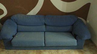 3 sofas,1 microondas y 1 mesa auxiliar
