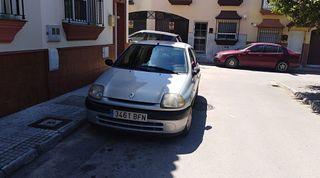Renault Clio Gasolina Año2001