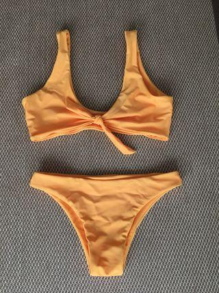 Bikini naranja