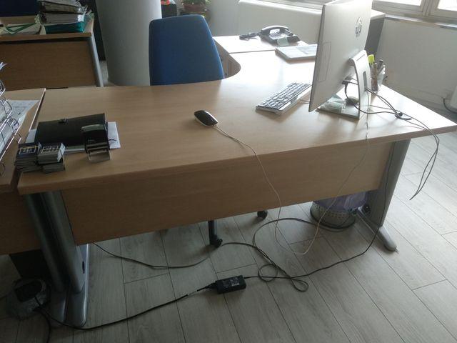 Mesa Escritorio Oficina de segunda mano por 105 € en Madrid en WALLAPOP