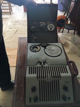 Magnetofón de hilo AMERICANO. 1948
