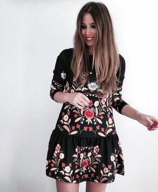 vestido negro floral