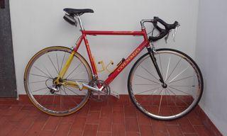 Bicicleta Colnago con grupo DURA-ACE