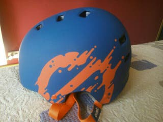 Casco patinaje