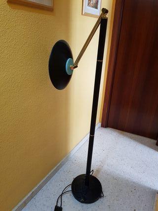 lampara de pie alogena