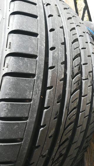 Neumáticos 275 45 19 semi nuevos