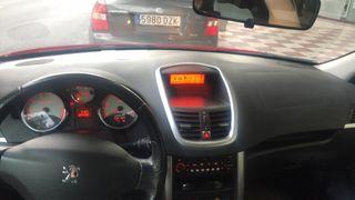Peugeot 207 2007 con 12550 km gasolina 110cv