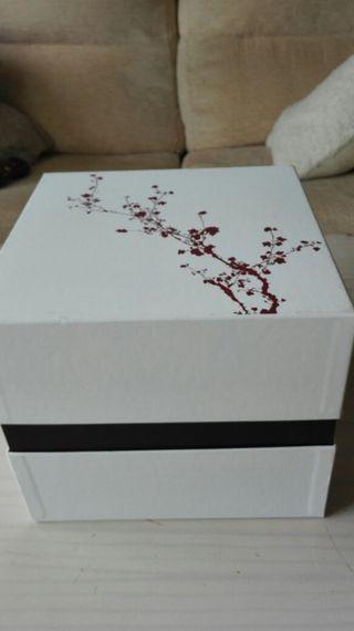 Preciosa caja de ritual, para detalles 22x22x18,5