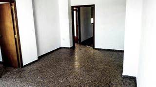 vendo gran piso en Miramar