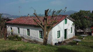 Casa a reformar y terreno de 1000 m2 en Navajeda