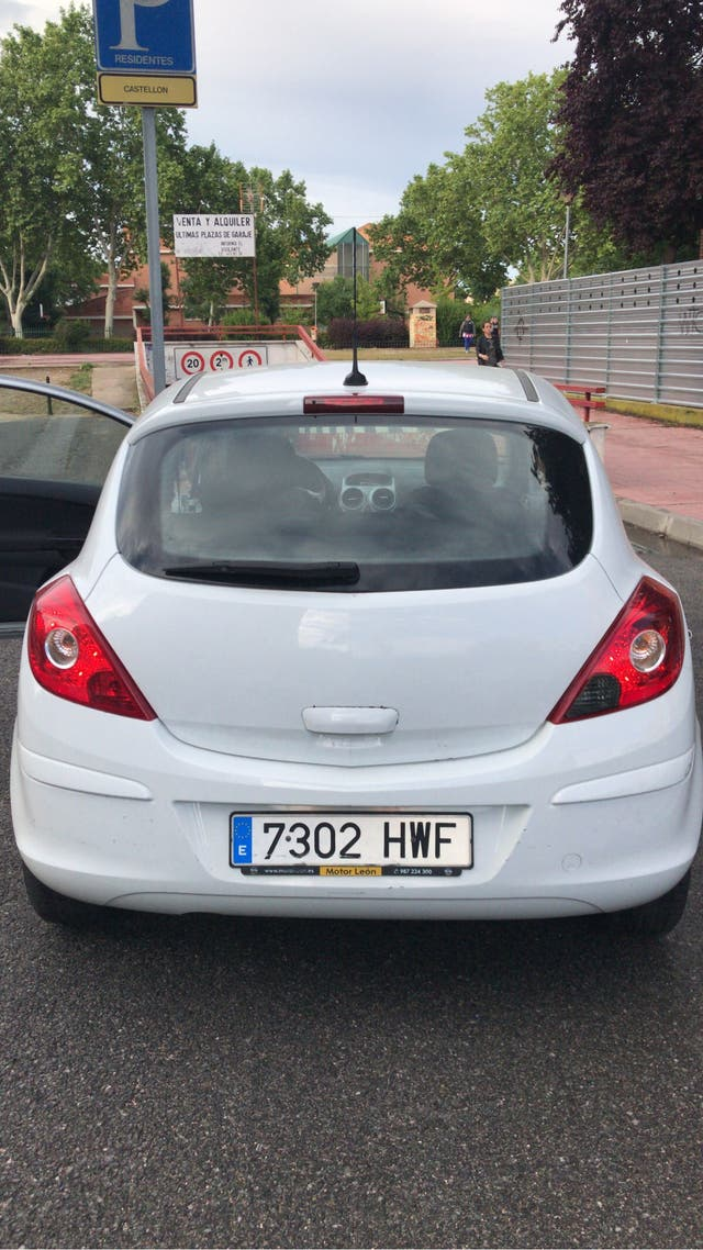 Opel Corsa 2014 matriculado 18 abril