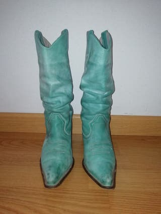 Botas azul turquesa chica. talla 36