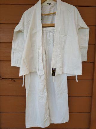 Quimono de karate marca RANDORI