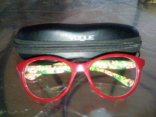 Montura de gafas marca Vogue