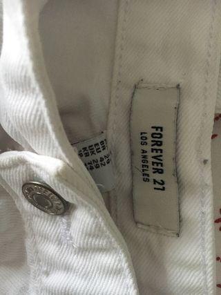 Pantalón blanco. Puesto una vez!