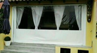 Toldo vertical con guias laterales